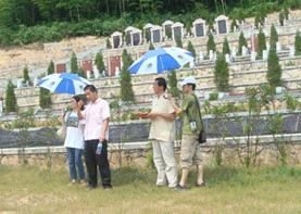 环境策划专家巨天中先生应邀堪舆浙江湖州枫树岭公墓